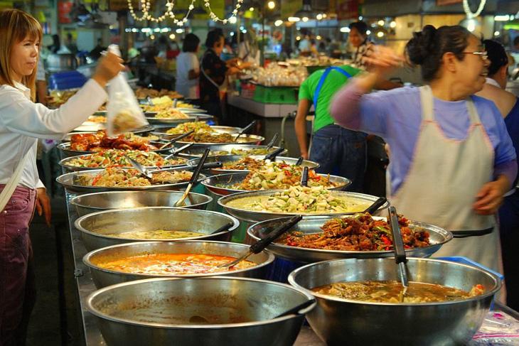 Tajski targ produktów spożywczych