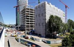 Zawieszenie wiechy na Gdynia Waterfront