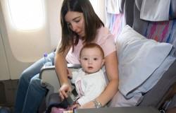 Z małym dzieckiem w samolocie