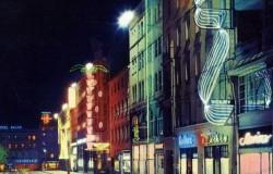 Nocny Poznań w blasku neonów