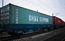 Pociąg z Chin nabiera prędkości