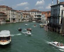 Wenecja ratuje się, jak może