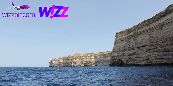 Dwejra Point na wyspie Gozo. Klif osiąga 105 metrów wysokości i jest prawie pionowy.