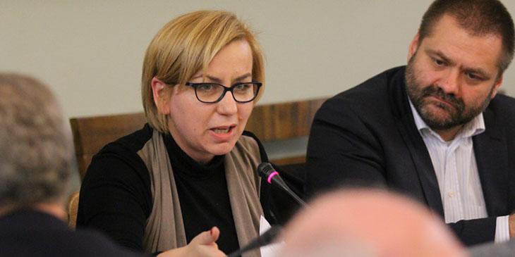 Paulina Hennig-Kloska, wiceprzewodnicząca Sejmowej Komisji Finansów Publicznych. Z prawej: Andrzej Malec, ekspert Polskiej Izby Handlu.