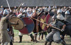 Wojowie, bitwy i potyczki w Biskupinie do niedzieli