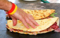 Piadina – klasyczny fast food z regionu Emilia-Romania