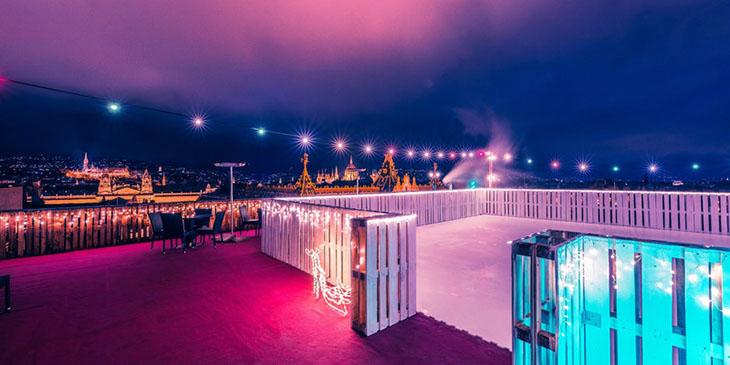 Lodowisko na dachu hotelu President w Budapeszcie