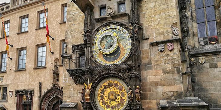 Zabytkowy zegar praskiego ratusza