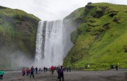 Turyści zagrażają islandzkiej naturze
