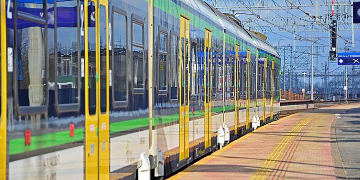 Pociąg koleje Mazowieckie