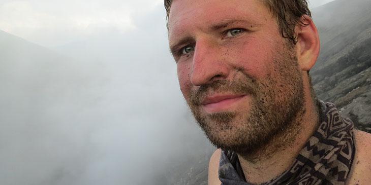 Grzegorz Gawlik na wulkanie Lokon w Indonezji