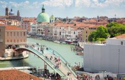 Most w Wenecji niebezpieczny dla mieszkańców, turystów i kasy miasta