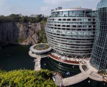 Chiny: luksusowy hotel w starym kamieniołomie