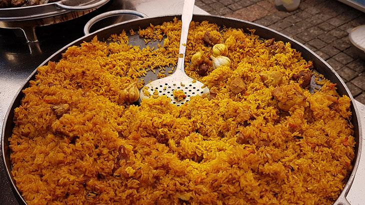 Pilaf to popisowe danie kuchni azerskiej