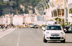 Taksówkarze w Neapolu karani za krótkie spodenki