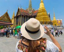 Pierwsi zagraniczni turyści przybyli do Tajlandii