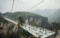 W Chinach zamknięto 32 szklane mosty i platformy widokowe