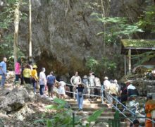Tajlandia: tysiące chętnych do jaskini