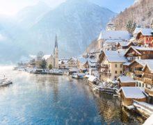 """Najazd turystów na """"najpiękniejsze miasteczko Austrii"""""""