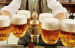 Ciemna piana nad czeskim piwem
