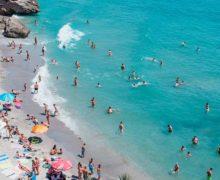 WHO prosi plażowiczów o ostrożność
