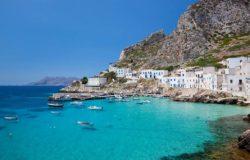 Sycylia nęci turystów: Połowa biletu i co trzeci nocleg z dopłatą
