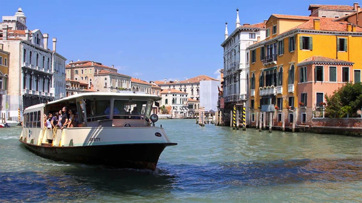 Tramwaj wodny w Wenecji