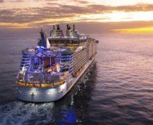 """Royal Caribbean Cruises """"więzi"""" na statkach ponad 21 000 osób załogi"""