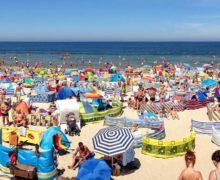 Tłumy turystów nie rozwiązały problemów finansowych