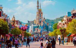 Disneyland też liczy straty