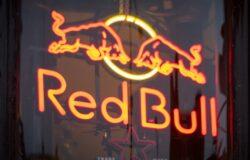 Wnuk wynalazcy Red Bulla uciekł jak na skrzydłach