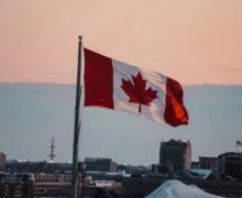 Kanada wprowadza nowy podróżny certyfikat poświadczający szczepienie COVID-19