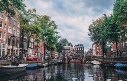 Europejskie miasta ograniczają wynajem mieszkań turystom