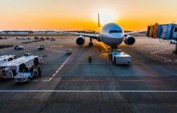 IATA: globalne linie lotnicze poniosą 48 mld dolarów strat w 2021 roku
