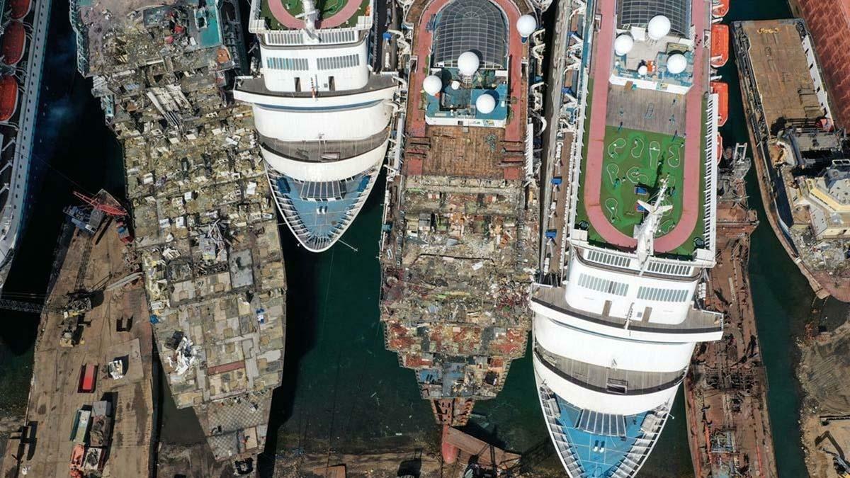 Cmentarz statków wycieczkowych