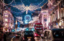 Anglicy skracają okres kwarantanny przed świętami