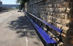 Rekordowa ławka na dworcu kolejowym