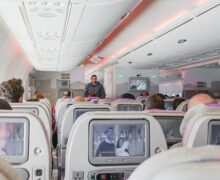 Qatar Airways wprowadza bezdotykową rozrywkę na pokładzie