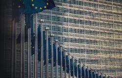 Unijny paszport covidowy ułatwi podróże w czasie pandemii?