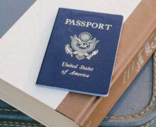W USA maski w samolotach zostają do września