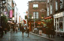 Płatna kwarantanna w Irlandii po przyjeździe z kraju wysokiego ryzyka