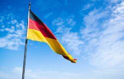 Niemcy przenoszą pasażerów z samolotów do pociągów
