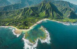 Gubernator ostrzegł przed przyjazdem na Hawaje. Turystyka liczy starty