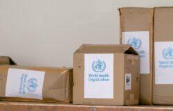 Podróże w czasie pandemii: WHO odrzuca unijny paszport szczepień