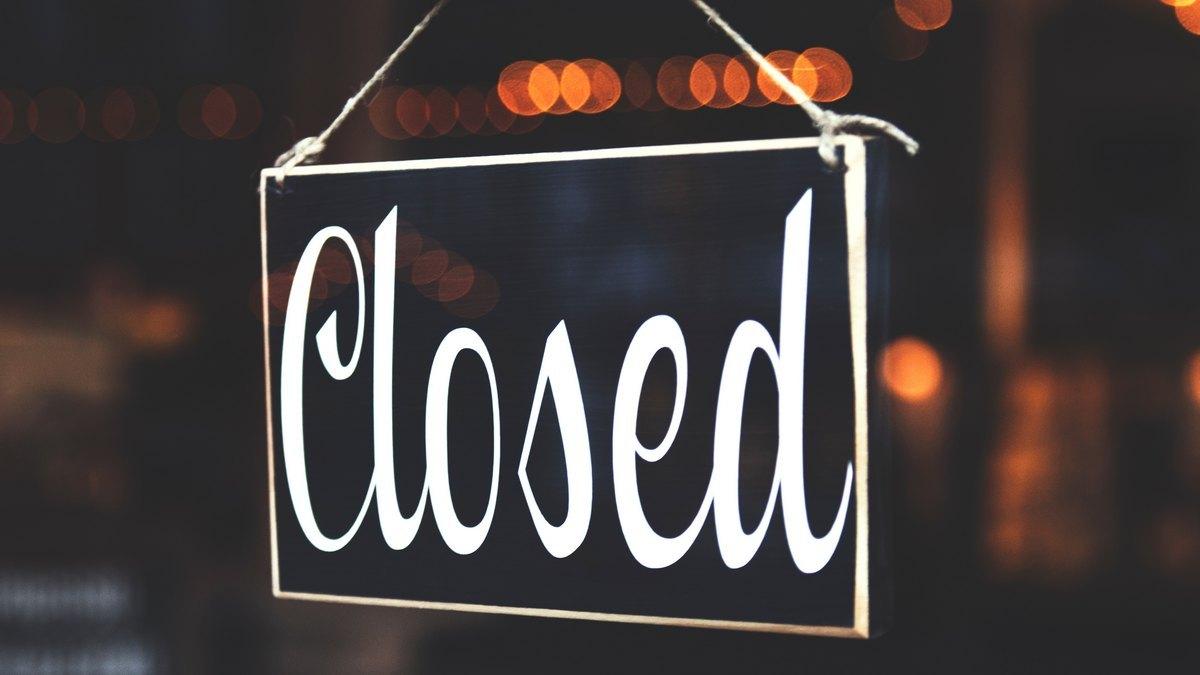 """Napis """"Closed"""""""