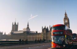 Anglia znosi restrykcje COVID-19. Bez maseczek, ale z ograniczeniami przy wjeździe do kraju