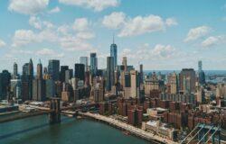 Nowy Jork rezygnuje na okres wakacji z podatku hotelowego