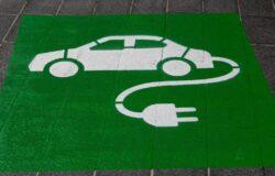Zobacz, jak wybrać się na urlop autem na prąd