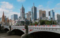 Australijski stan Wiktoria przedłuża lockdown: pandemia jest gorsza niż rok temu