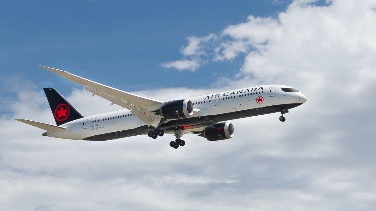 Samolot linii Air Canda